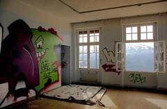 Hulk pas content du tout ! (B.RANZA) Tags: streetart graffiti tag trace urbanart histoire waste graff sanatorium hopital empreinte exil cmc patrimoine urbex disparition abandonedplace mémoire friche centremédicochirurgical