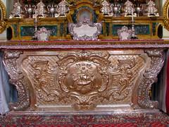 Il-Ventaltar (fajjenzu) Tags: sculpture statue feast silverware niche faith religion malta celebration stonesculpture christianity spirituality zebbug saintphilip streetdecorations silverstatue