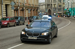BMW Serie 7 police (Πichael C.) Tags: voyage city travel red car st square rouge vacances town holidays place russia moscow centre police 7 center voiture bmw vehicle emergency serie ville kremlin russie visite tourisme cathedrale moscou basils площадь красная