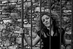 'Non fuggire in cerca di libert quando la tua pi grande prigione  dentro di te' (fromsunrisetosunset) Tags: portrait blackandwhite bw woman girl canon retrato femme cage bn canoneos600d