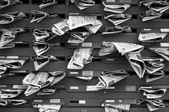 bw (loop_oh) Tags: germany deutschland newspaper hessen post box frankfurt main bank letter letterbox werbung frankfurtammain frankfurtmain roemer briefkasten zeitung metropole römer briefkästen mainhattan eintracht frankfurtam briefkaesten
