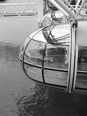 Journey's End (failing_angel) Tags: london millenniumwheel londoneye milleniumwheel southbank ferriswheel lambeth davidmarks britishairwayslondoneye albertembankment juliabarfield malcolmcook marksparrowhawk stevenchilton nicbailey frankanatole leitnerpoma 160512 merlinentertainmentslondoneye edfenergylondoneye