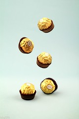 FERRERO  ROCHER  (mai-mohammed 's photostream) Tags: light canon soft flickr group mai mohammed ferrero d550    mm50              rocheh