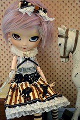 Rhapsody ~  Brown Circus   (Nickocha) Tags: white france fur clear wig pullip rhapsody lullaby obitsu amarri nickocha