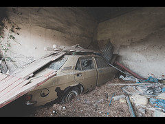 Marina [Explored] (Lee|Ratters) Tags: urban house abandoned marina canon farm rusty explore l morris derelict 1740mm ue urbex 5dmk2
