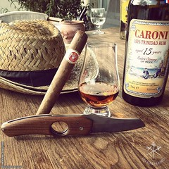 I've had good pairings guys... But now this is an heavenly one!  #Caroni  #punch  (steven_cigale) Tags: cigar cigare cigarlife cigaraficionado cigarporn cigars cigares cigarlover amateurdecigare     zigarre cigarsmoking luxury cigarsmokingmodel p1p2c cigarsmoker cigarians botl aficionado cigaroftheday