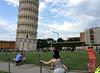 Da igual la nacionalidad (a_marga) Tags: pisa toscana tuscany italia italy torre inclinada leaning tower turistas tourists