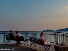 Peaceful sunset (Gian Floridia) Tags: capodiportofino liguria marligure portofino rapallo lettura peace peaceful reading street streetphotography sunset tramonto tranquillo