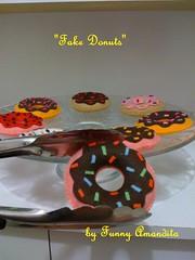 Donuts de feltro (Funny Amandita) Tags: cupcakes cupcakedefeltro docesdefeltro cupcakedecorativo donutsdefeltro docesdecorativos