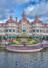 Disneyland Parc - Paris (jp3g) Tags: paris france castle disneyland surreal disney mickey panasonic minnie g3 hdr