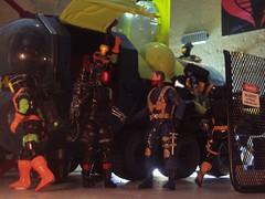Loading the Bugg EDIT 1 (Dudesnbots) Tags: cobra n battle joe troopers dudes bots android bats gi scarface bugg dudesnbots