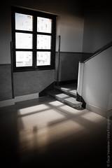 Cidade de fora (luz de escada) (scar Valadares) Tags: city cidade bw window arquitetura architecture stairs galicia galiza janela escada bp lugo mistery mistrio