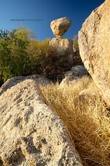 La Piedra Volada (Ana Encinas.) Tags: mountain rock stone sonora méxico hill cerro mexique montaña hermosillo roca balancingrock messico piedra volada anaencinas