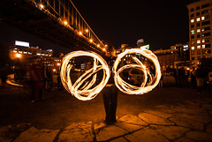 Fire Dance at night (dicksoto) Tags: brooklyn circle fire brooklynbridge round manhattanbridge streetperformer firedancer brooklynbridgepark