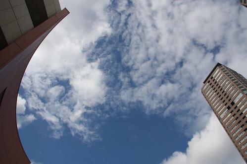 仰ぎ見る空