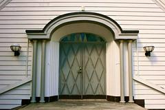 Heggedal kirke (Brian Aslak) Tags: door church norway norge europe iglesia chapel doorway igreja scandinavia akershus kirik østlandet asker heggedal heggedalkirke