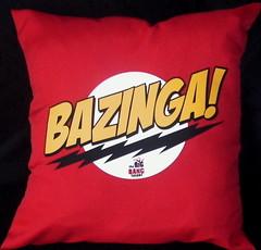 Almohadn Bazinga (Lady Krizia) Tags: nerd tv geek pillow vinilo serie sheldon wilwarin estampado almohadon bazinga thebigbangtheory termoestampado