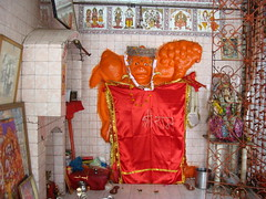 Shri Hanuman Ji present at Mauni Baba Mandir at Alambagh in Lucknow (Vineet Wal) Tags: flowers red orange india white heritage statue bells temple god religion historic idol hanuman mace hindu hinduism mandir lucknow uttarpradesh auspicious mahabir anjaneya sankatmochan awadh