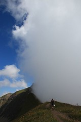 Bedecktes Gipfel, Hch Gumme, Suisse (Airflore) Tags: summer cloud mountain berg montagne florence brienz t nuage brouillard 2012 rothorn gipfel brienzer airflore