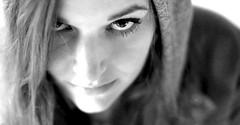 Meli... (lichtflow.de) Tags: portrait bw face canon licht eyes gesicht availablelight portrt ef50mmf14 sw augen meli parkhaus lneburg natrlich eos5dmarkiii