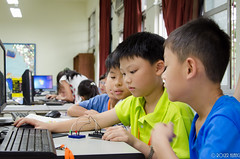 DSC_0743 (roger528852momo) Tags: 2016           little staff person explore summer camp hokuzine ever worker china youth corps ying qiao elementary school arduino robot food processing workshop taipei taiwan roger huang roger528852momo