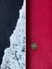 Waving (Robyn Hooz) Tags: composizione geometria fucsia mare onda traghetto schiuma foam boat ferry dream blue colori toscana isola island elba