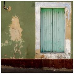 Les volets verts (Pascal.M (bong.13)) Tags: vallabregues vaucluse bouchesdurhone ancien fenetres volet vert vieille village france sonyrx100 street