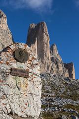 Denkmal fr Paul Grohmann (rubrafoto) Tags: paulgrohmann alpinist dreizinnen av dolomiten alpinismus bergsteiger natur landschaft auronzo ita