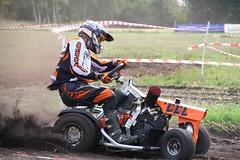 IMG_9083 (Wallus2010) Tags: rasenmherrennen2015 grosmoor motorsport rennen hbschemdchen boxenluder eos500d tamron18200vc lawnmowerracing lawnmower racing germany moorbockcross 2016 moorbockrennen