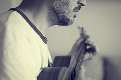 El Ukelele (Graella) Tags: ukulele ukelele musica instrumento retrato portrait 52semanas bn vintage people man