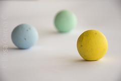 bombones (rosiyagc) Tags: bombones amarillo bolas
