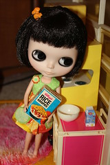 Late night craving for Rice Crispies! (GreyBird1881 Plays with Dolls!) Tags: doll spice blythe custom vintagedollhouse buttonarcade punkaholicpeople phillaine