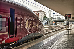 Ready and waiting (Ciccio Pizzettaro) Tags: train railways treno hdr italo ntv highspeedtrain agv 3pics etr575 automotricegrandevitesse italotreno