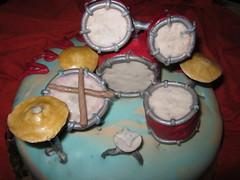 batteria_sara 004 (crikketta) Tags: cake design drum cristina batteria cri torte mmf fiorellini fondente iannetta ricorrenze tortedecorate crikketta