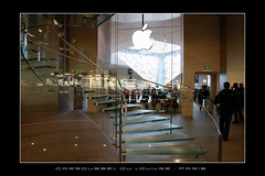 Apple Store ~ Carrousel du Louvre  [ PARIS, France ] (SergeK ) Tags: paris france apple glass retail store mac europe magasin imac pyramid louvre iphone carroussel ipad macbook sergek istrore