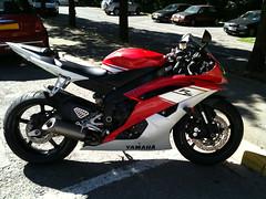 Yamaha YZF R6 (supiido.com) Tags: red white rouge blanc supiidocom supiido