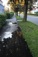 (frettir) Tags: pool puddle sweden stockholm norra bromma pl ngby villagata
