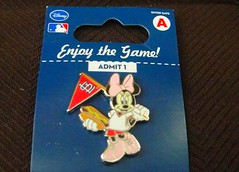 Minnie the Cardinal Fan (Starshyne09) Tags: hotdog pin baseball stlouis disney minniemouse cardinals disneypin