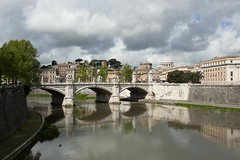 ITALIA - ROMA Aprile 2012 (Dott.chalkydri333) Tags: bridge sky italy cloud rome roma reflection water zeiss 35mm river landscape nikon cityscape general tevere immagine distagon distagont235 d700 zf2 zeissdistagon35f2zf2