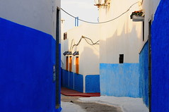 On the road #6 (A journey along Guatan Tavara) - Rabat (Explored) (stedef) Tags: road blue architecture strada morocco marocco rabat kasbah oltusfotos