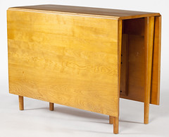 2053. Russel Wright, Conant Ball Drop Leaf Table