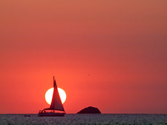 (SSyyRR) Tags: sunset red rot sol atardecer mar rojo mediterraneo ibiza 70300mm sonne ocaso baleares e620