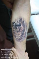 gun with fire tattoo / Silah dovme (taksim beyoğlu dövmeci) Tags: woman art tattoo artist femme models drawings istanbul tattoos taksim examples vrouwen tatouage bayan mannen kiz modèle modelleri dovme çizimler dovmeciler taksimdovme dovmemodelleri dovmesi
