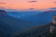Blue Haze Dawn || BLUE MOUNTAINS || AUSTRALIA (rhyspope) Tags: australia auusie nsw new south wales blue mountains nature landscape rhys pope rhyspope canon 5d mkii