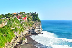 Uluwatu Temple (Roselinde Alexandra) Tags: bali indonesia travel cliff nature view landscape coast uluwatu