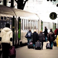 Travellers (Zeeyolq Photography) Tags: france gare garesaintlazare paris people stations trains travel traveling traveller voyageurs ledefrance