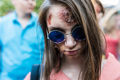 Blue glasses (pascal_degiovanni) Tags: croixrousse zombiewalk lyon