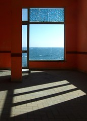 Affittasi (meghimeg) Tags: camera light shadow sea sun window mare room ombra finestra sole luce 2011 portomaurizio