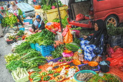 Vege Seller (tamahaji) Tags: vegetables malaysia bazaar seller tani pasar vege