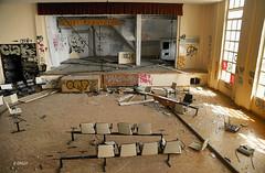 Scène de carnage (B.RANZA) Tags: trace histoire waste sanatorium hopital empreinte exil cmc patrimoine urbex disparition abandonedplace mémoire friche centremédicochirurgical